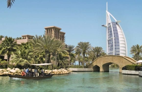 Weihnachtsreise an den Golf mit Silvester in Dubai mit MS Artania