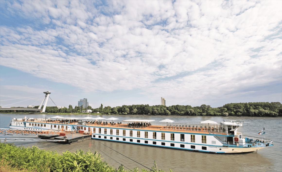 Schöne blaue Donau mit der MS Prinzessin Katharina